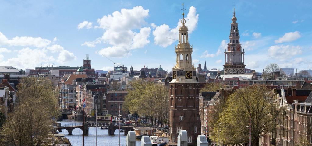 Montelbaanstoren en Zuiderkerk in Amsterdam - Westcord Hotels