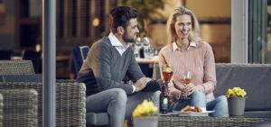 Borrel op terras WestCord ApartHotel Boschrijck - Westcord Hotels
