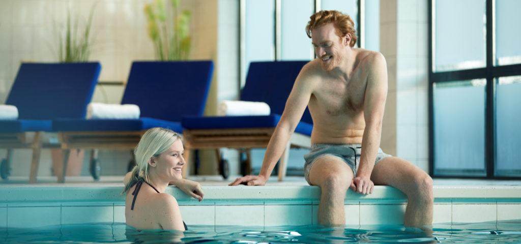 Hotel-Noordsee-Ameland-WestCord-zwembad-2 - Westcord Hotels