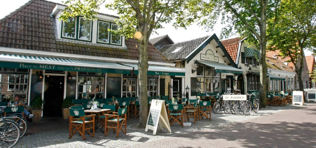 Dorpsstraat Vlieland - Westcord Hotels