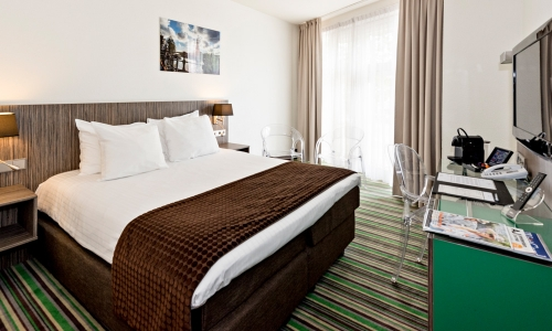 cosy-double-room-cityview-city-centre-hotel-amsterdam