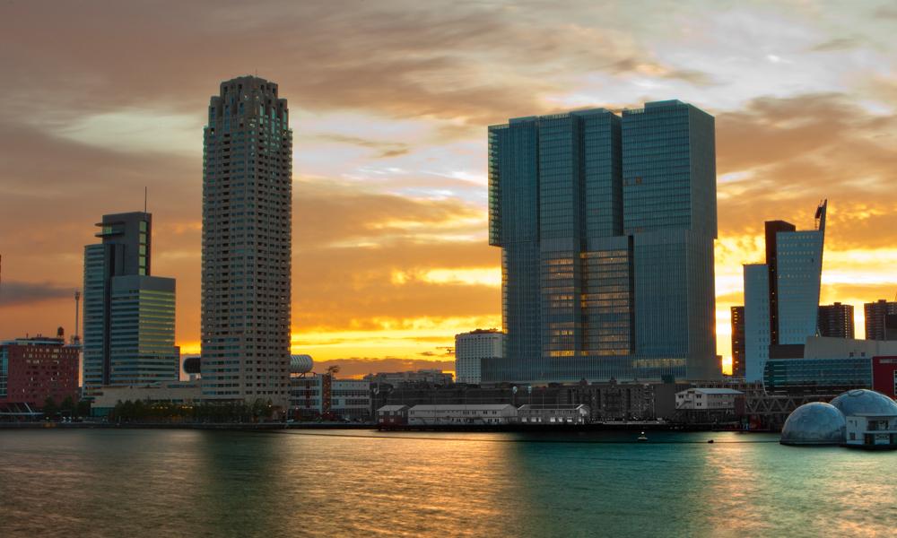 skyline-zonsondergang-hotels-rotterdam
