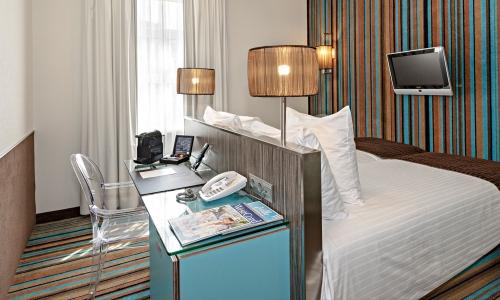 cosy-twin-room-city-centre-hotel-amsterdam